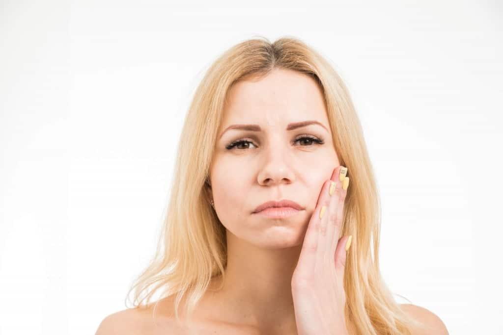 歯を白くする方法の前に…歯の着色の原因