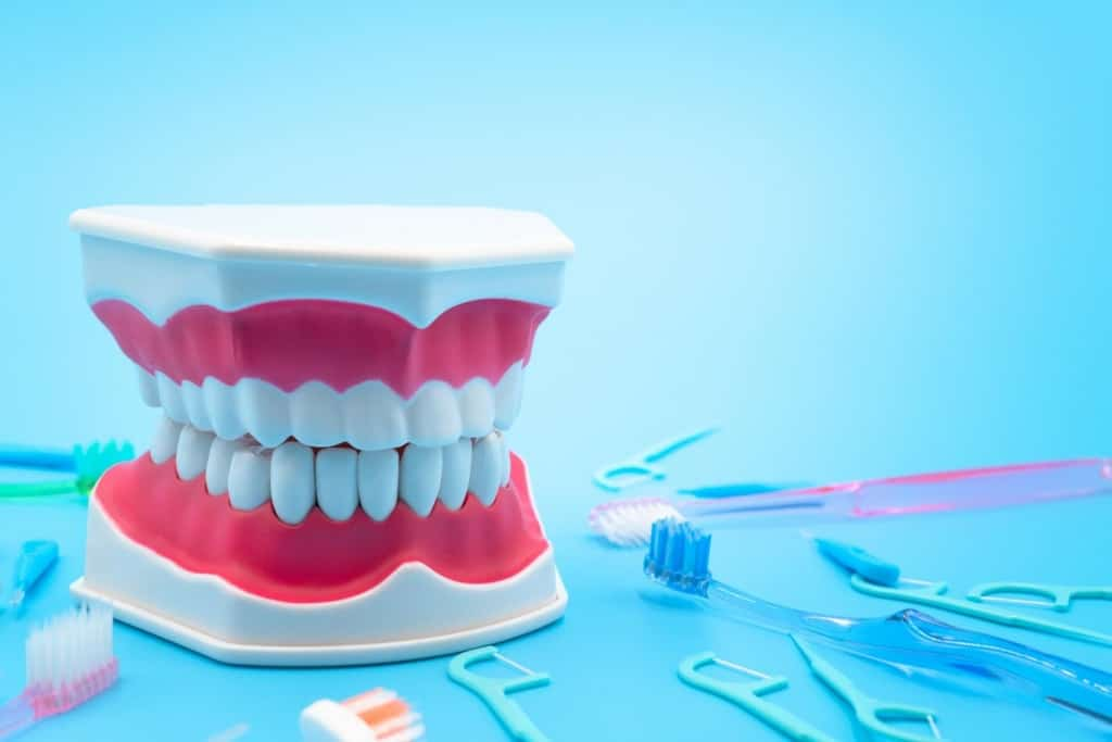 歯を白くする方法はある?