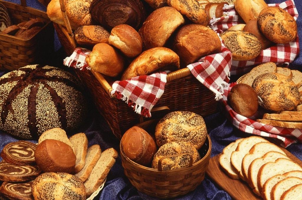 カレーパンのカロリーは低い?他のパンと比較