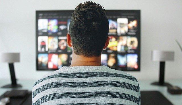 この世界線(3)テレビを観ない時代でも要チェックな「有名人の人生イベント」【辛口オネエ】